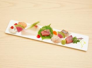 旬の地魚を少しずつ多種類味わえる『御造り盛り合わせ』