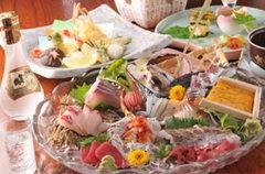 牡蠣や穴子、カワハギなどの絶品食材が堪能出来ます。広島を120%愉しみたい方必見です。