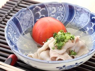 和食の命であるダシに使う「昆布」、「かつお節」、「塩」