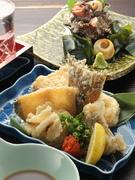 季節の海の幸は、「揚」「煮」「焼」など様々な調理法で愉しめるのが日本の居酒屋スタイル。