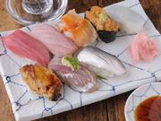大和寿司よりとってもお得なおすすめのにぎり寿司を提供しています(水曜日はお休みになります)