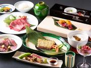 上質の純神戸肉を使用したいさごならではの懐石料理。 最高の部位を鉄石焼き、しゃぶしゃぶ等でどうぞ。*詳細はコースページをご覧下さいませ