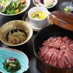 お客様からの「商品化して欲しい」というお声を受け、神戸牛100%しぐれ煮をお土産にさせていただきました。やさしい味わいで、お土産に、お歳暮など贈り物にも大変ご好評いただいております。100g…1620円※税込