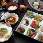 料亭いさごの手作り惣菜九種と、一汁二菜の和御膳。 ご提供数に限りがございます、詳しくはお問い合わせくださいませ。