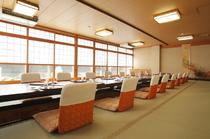 大切なご接待やご会食にも最適な個室をご用意しております。
