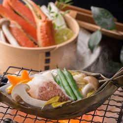 会席料理又は鍋料理(てっちり、神戸牛しゃぶしゃぶ、神戸牛すきやき)からお選びいただけます。