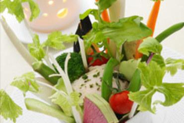 バーニャカウダ(イタリア風スティック野菜、アンチョビソース)
