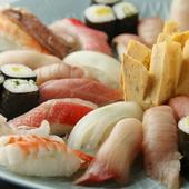 店の自慢は、旬の鮮魚。加えて、絶品の酒の肴を用意しています