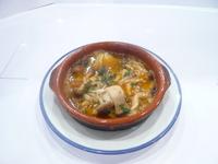 アホはスペイン語でニンニクを意味します。にんにくたっぷりスタミナスープ