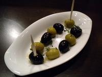 オリーブオイルとにんにくたっぷりのスペイン料理