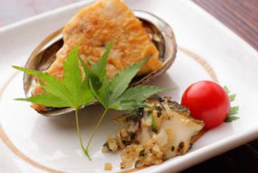アワビのソテー (コース料理一例)