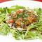 彩り豊かなヘルシー野菜とともに『ふぐの温かいサラダ』