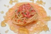 桜海老でとったジュに、和風出汁にジュレをあわせたスパゲティ。