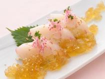 特別コース料理より    洋風寿司をイメージした          『寿司に見立てた勘八のリゾット』