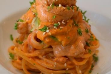 濃厚なうにクリームが贅沢な『北海道生ウニのスパゲッティ』