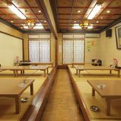 最大60名様が寛げるお座敷席や10名様前後の完全個室が御座います