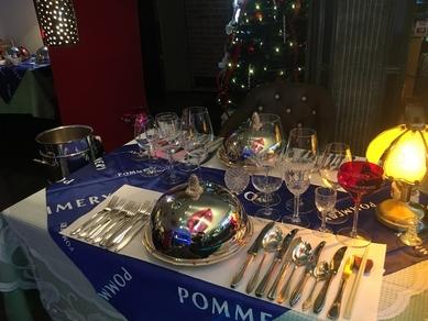 時間制限や入れ替え無しのクリスマスディナーは12/23~25【※この三日間をズラして同じコースなら20%引き】