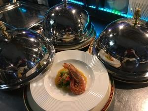 税込み¥4000で飲み放題2hと、軽い前菜料理8品。気の合う仲間達や女子会、二軒目に最適です。