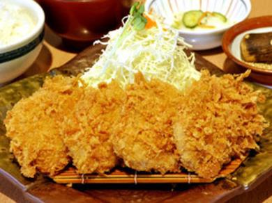 むぎやポークヒレカツ定食(中)