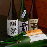スタンダードから、毎月の美味しいものまで。山口の地酒にこだわっています!