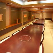 40名様まで使用可能な個室もご用意できます。慶事や法事、ご家族でのお食事にご利用下さい。