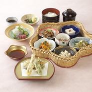 蕎麦 前菜 蟹すき鍋 蟹天婦羅 蟹釜飯 デザート