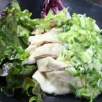 蒸し鶏 (葱塩たれ)