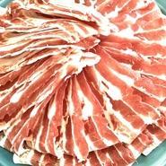 味噌味、塩味、和風味からお選び下さい。海の幸など色んな食材が相乗して鍋が生まれます。