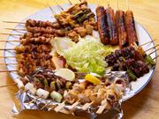串焼・砂ズリ・皮・つくねの4種8本の盛り合わせ(鳥肝も混ぜれます。)