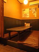 奥のお座敷個室は友人同士の飲み会にも最適。