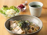 サラダ・スープ・ライス(ライスは大盛り可)