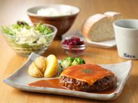 サラダ・スープ・ライス or 自家製パン(ライスは大盛り可)(ライス or パンのおかわり可)