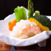季節を味わえる、旬野菜の煮物 680円