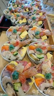 海鮮や よし丼の料理・店内の画像2