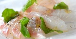 旬の新鮮魚介のカルパッチョ
