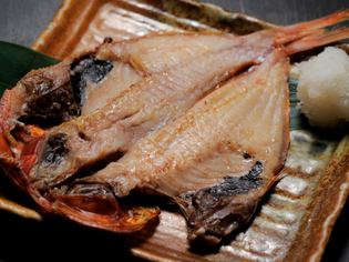 宮城県産大きくて身がふっくらの「金目鯛」