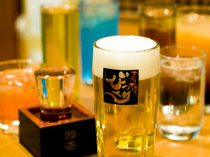 ビールに焼酎、地酒、カクテルまで、アルコールも充実