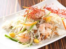 韓国春雨、海鮮、野菜を一緒に炒めた『チェプチェ』