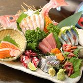 毎日市場へ出向いて仕入れる鮮魚の『刺身』がおすすめです!