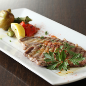 ダイレクトに肉の美味しさを楽しめる『イベリコ豚の岩塩焼き』