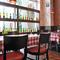 落ち着ける雰囲気の店内で、お食事をお楽しみ下さい!