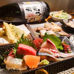 TERU人気ベスト3とお刺身の盛り合わせ、旬の食材の揚げ物など取り揃えたコース料理です。