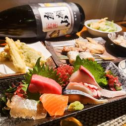 コース料理は、大皿ではなく、全て1人一皿に分けて提供します。TERUの人気メニューを入れ込んだコース!