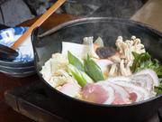 生駒しし鍋(ぼたん鍋)は、赤味噌仕立てになります。