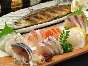 名物笑う魚の鮮魚お刺身7点盛り