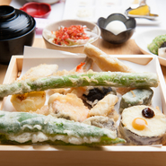 天ぷら12~13ヶ・造り・サラダ・天茶・デザート