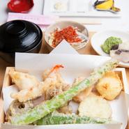 天ぷら10ヶ・造り・サラダ・天茶