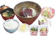 にぎり鮨六貫・細巻・小鉢・茶碗蒸し・サラダ・汁物