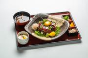 寿司・小鉢二種・茶碗蒸し・スパゲティ・味噌汁・ご飯 その日の朝、すべて沖獲れした鮮度抜群の魚を使ってます。