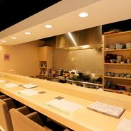 素材の旨みを生かした料理。季節に合わせてお出しします。カウンター・個室席もございます。